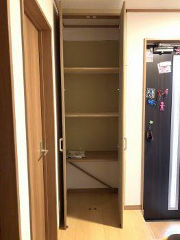中は固定棚です。元々あったカウンターは再利用しました。