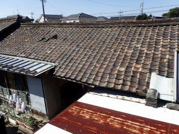 かなり劣化していた瓦屋根