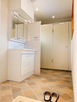 秀美装 トイレの新設が完了しました