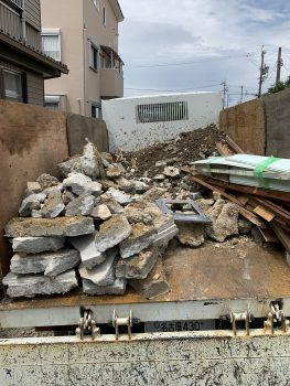 解体作業はこれにて完了です、廃材はこんなに沢山出ます!これでも少ない方です。