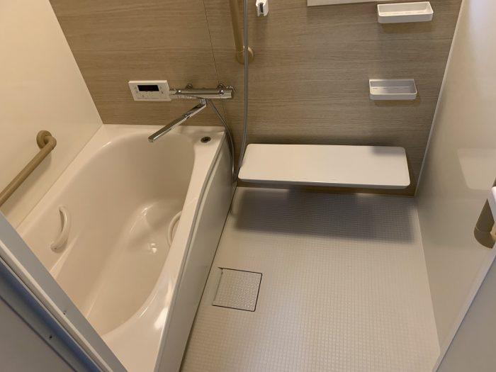 ユニットバス:TOTOサザナを設置しました。浴槽が広くなり見た目もスッキリ!