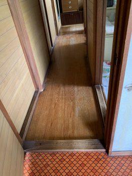 廊下~台所の敷居の段差